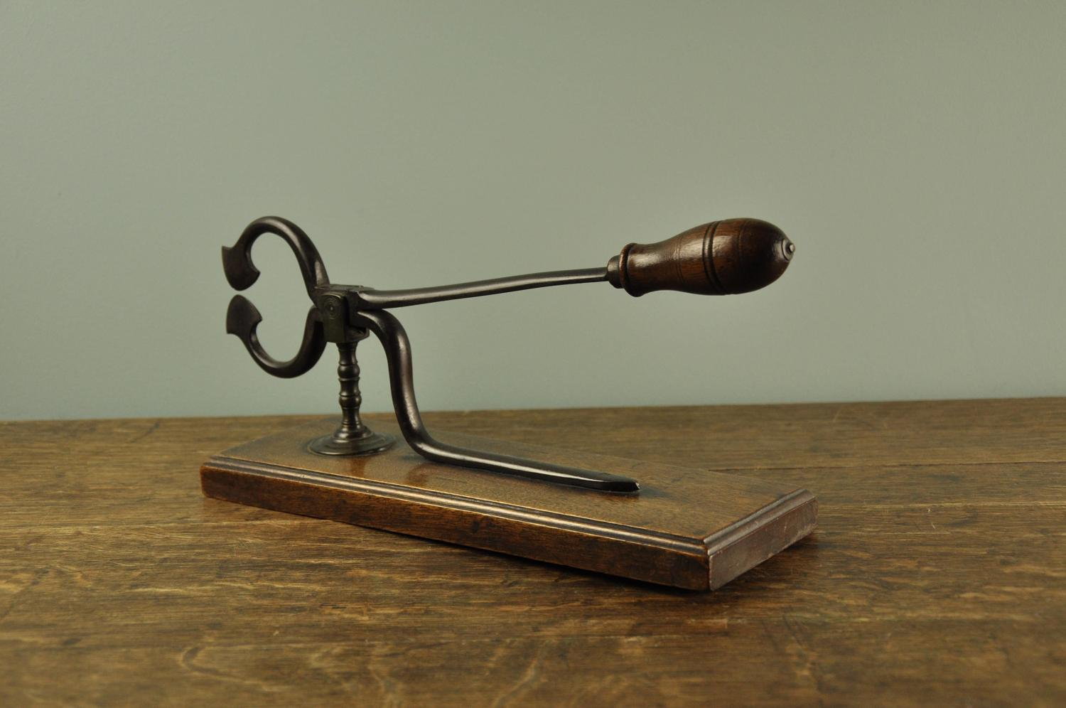 Georgian Sugar nipper on stand