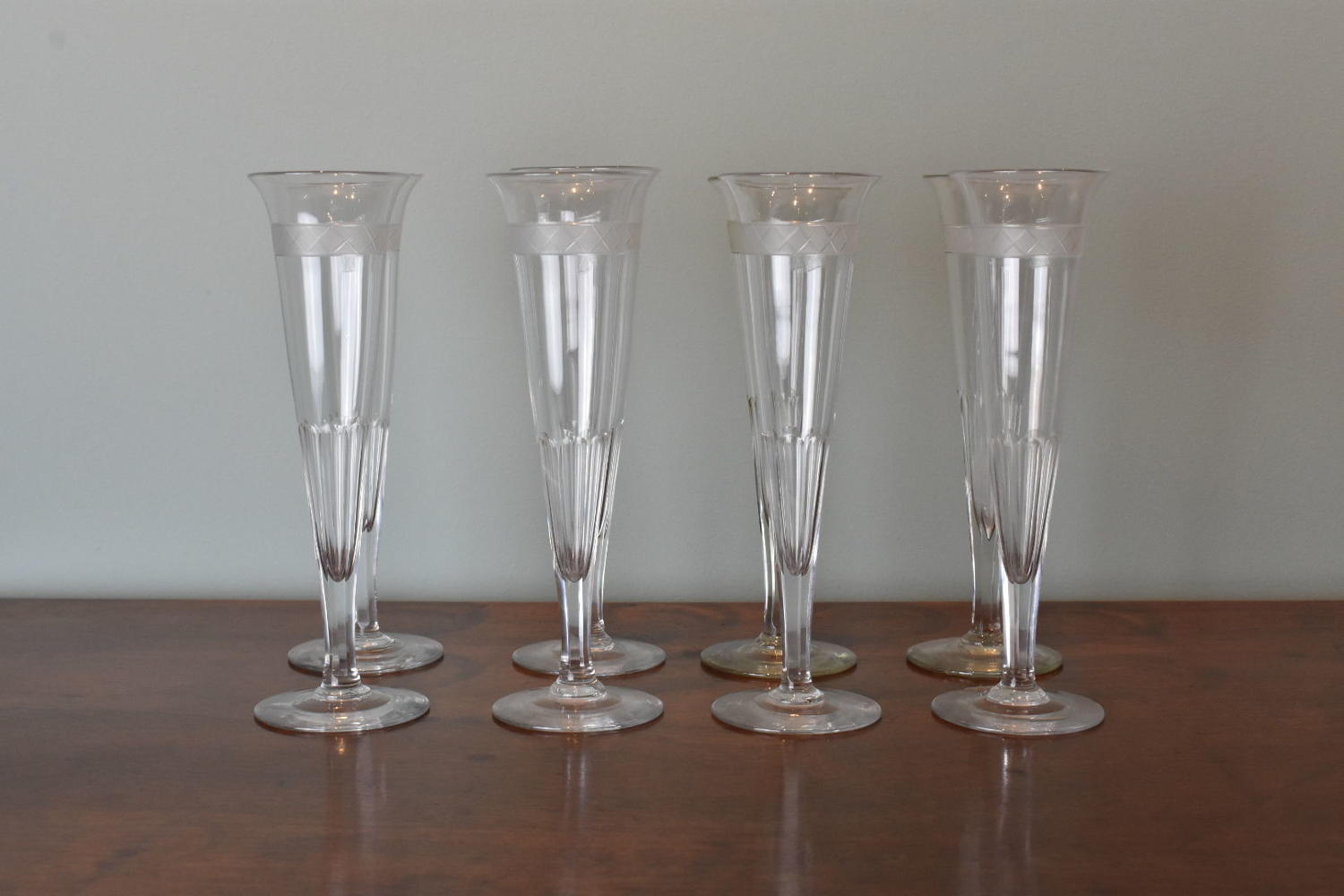 8 x 19th c. French champagne flutes