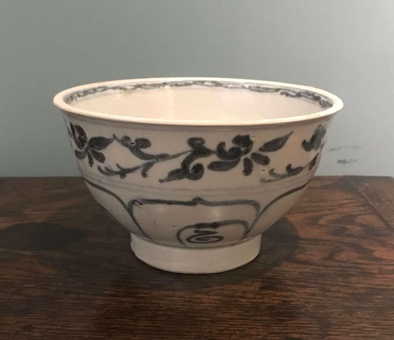 15th c bowl - Hoi An Hoard