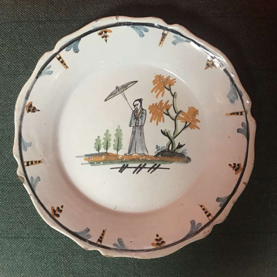 18th Faience plate with 'Chinoiserie' scene