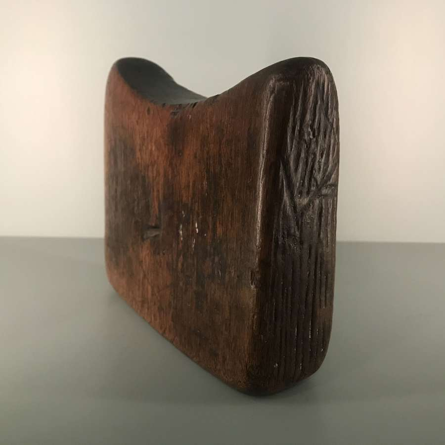 Ethiopian headrest of block form