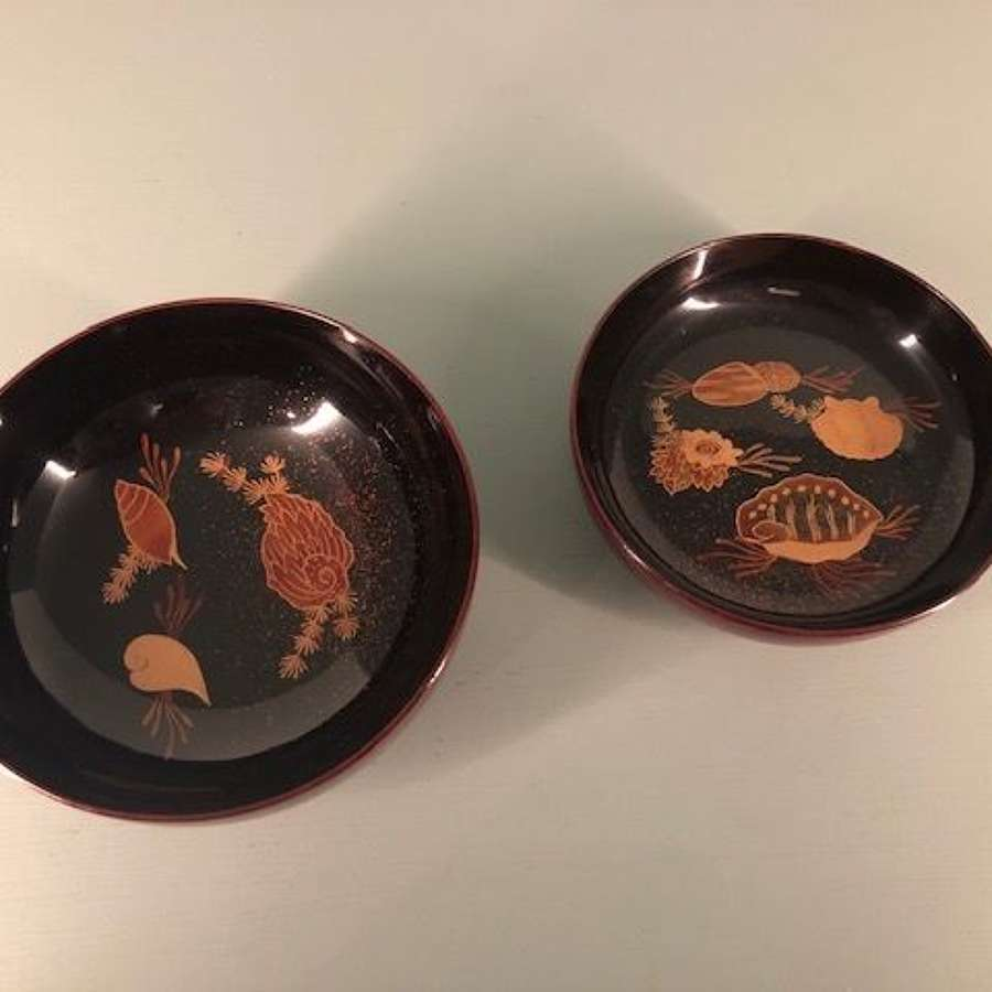 Meiji period Lacquer Chawan with shell motifs