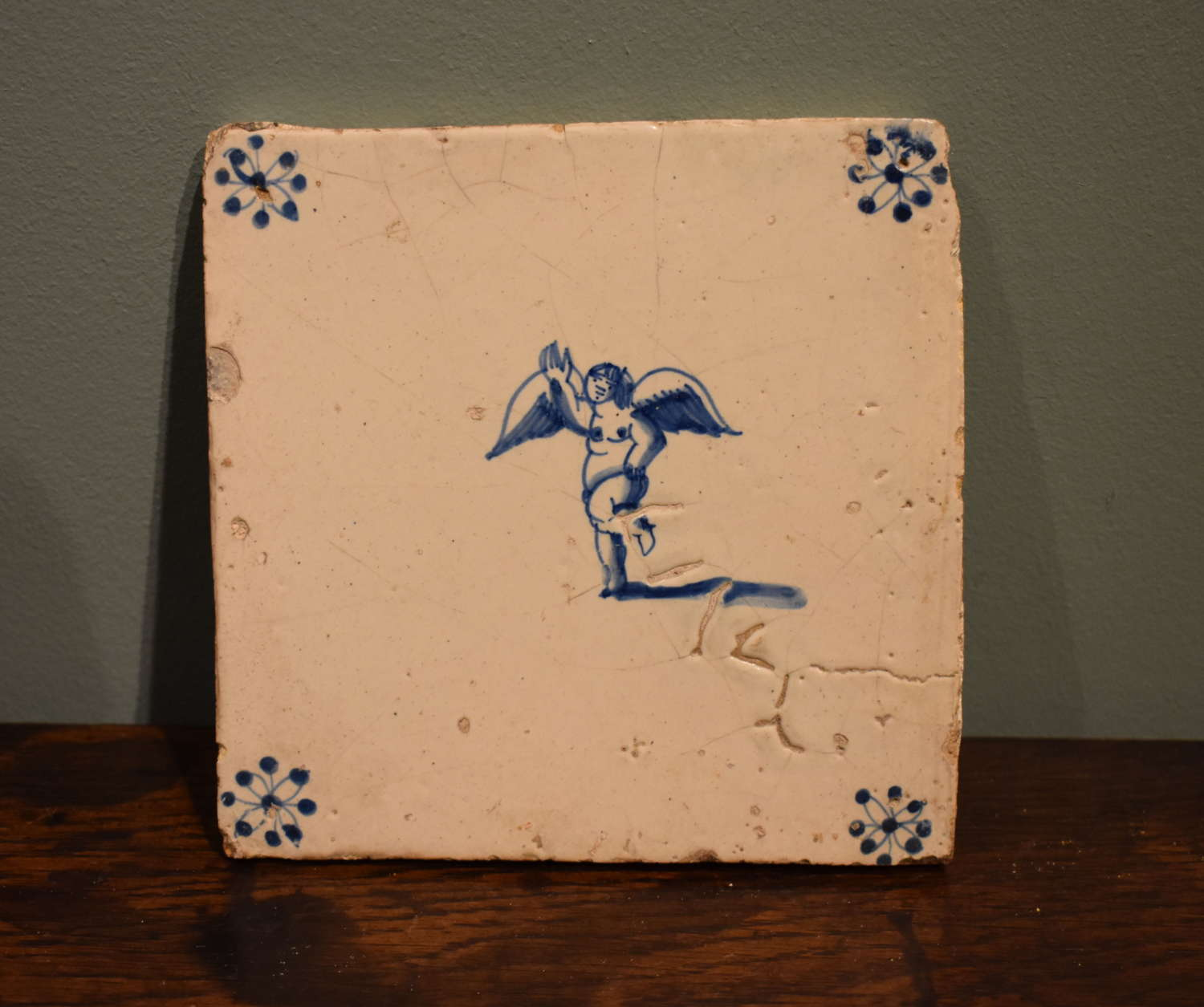 17th c. Dutch Delft blue and white tile - Angel