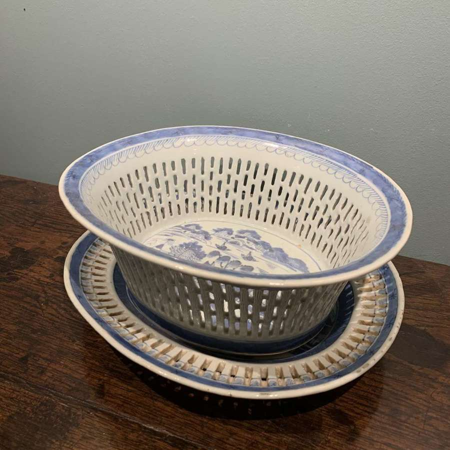 Early 19th c. Chinese export Chestnut Basket and stand